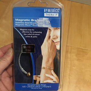 NIB women magnetic bracelet